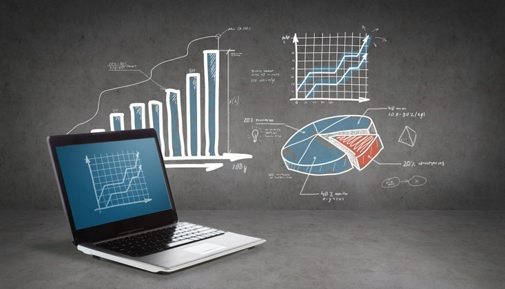 DATA ANALYTICS: STAYING AHEAD OF THE RETAIL CURVE